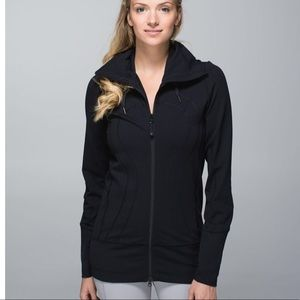 LULULEMON stride jacket 11 perfect condition